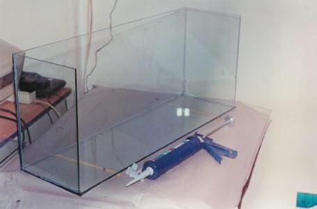 клей для аквариума