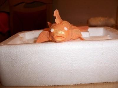 Золотая рыбка из мастики