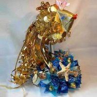 Золотая рыбка из конфет